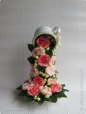 Доброго времени суток всем жителям СМ.. я к вам с новыми композициями.. Вот такая чашечка с цветами шиповника.. фото 1