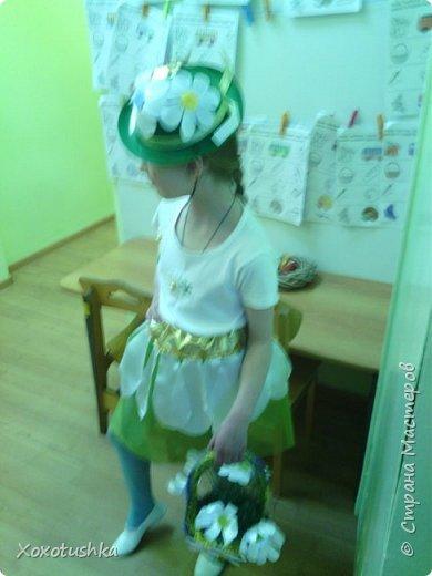 """Моя девочка в шляпке))) Вот что получилось. Моделировала костюм на конкурс-дефиле в номинации """"костюм Ромашки"""".  фото 5"""