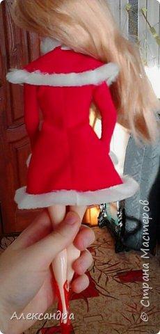 Добрый день всем, кто наткнулся на мою первую запись :-D Сегодня я хочу рассказать о появлении моих кукол и первых патьев на них. На фото ниже первое платье, которым я действительно гордилась (а всего по счёту платье второе). Но о шитье позже, а сейчас начало истории моих кукол... фото 8