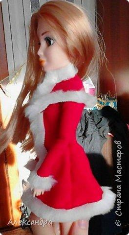 Добрый день всем, кто наткнулся на мою первую запись :-D Сегодня я хочу рассказать о появлении моих кукол и первых патьев на них. На фото ниже первое платье, которым я действительно гордилась (а всего по счёту платье второе). Но о шитье позже, а сейчас начало истории моих кукол... фото 7