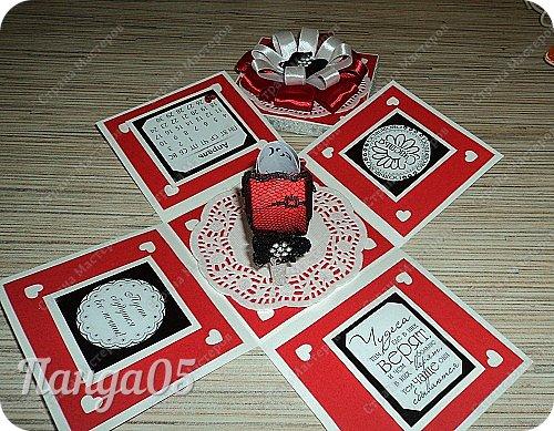 """Поступил мне заказ на очередную красную туфельку.приглянулись они почему то женщинам))) На этот раз Magic Box к тридцатилетнему юбилею невестки. Пожелание было одно - красный цвет...Но уже 2 красные я делала,неинтересно))) Решила добавить черного для разнообразия.Ведь сочетание белое-красное-черное это известная классика..Название коробочки дала по Стендалю - """"Красное и черное"""")) фото 7"""