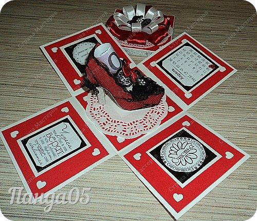 """Поступил мне заказ на очередную красную туфельку.приглянулись они почему то женщинам))) На этот раз Magic Box к тридцатилетнему юбилею невестки. Пожелание было одно - красный цвет...Но уже 2 красные я делала,неинтересно))) Решила добавить черного для разнообразия.Ведь сочетание белое-красное-черное это известная классика..Название коробочки дала по Стендалю - """"Красное и черное"""")) фото 8"""