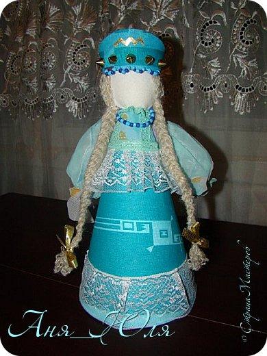 """Всем привет! Был у нас в школе проект по технологии """"Кукольный хоровод"""". Надо было сделать кукол в народных костюмах, и чтобы все были разные. Вот что у нас получилось. фото 8"""