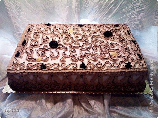 """Всем привет, кто заглянул.. Месяц был богат тортами для своих.. А свои уже мастики наелись так, что осваиваем крем потихоньку (бросайте в меня камни не сильно) Первый тортик был на день рождения свёкра.. Людей намечалось много... Вот и тортик такой... Не маленький Вес 9кг. Внутри """"тропиканка"""" (http://stranamasterov.ru/node/788418) фото 2"""