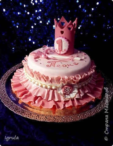 """Всем привет, кто заглянул.. Месяц был богат тортами для своих.. А свои уже мастики наелись так, что осваиваем крем потихоньку (бросайте в меня камни не сильно) Первый тортик был на день рождения свёкра.. Людей намечалось много... Вот и тортик такой... Не маленький Вес 9кг. Внутри """"тропиканка"""" (https://stranamasterov.ru/node/788418) фото 10"""