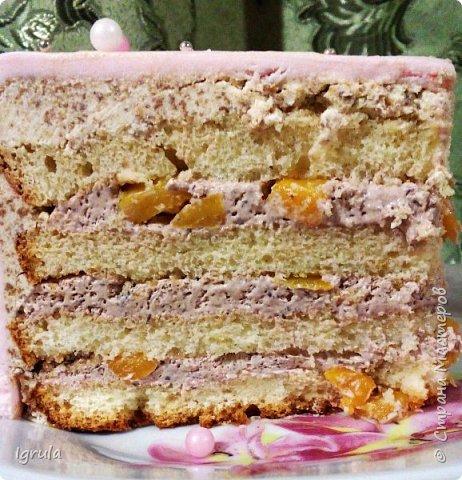 """Всем привет, кто заглянул.. Месяц был богат тортами для своих.. А свои уже мастики наелись так, что осваиваем крем потихоньку (бросайте в меня камни не сильно) Первый тортик был на день рождения свёкра.. Людей намечалось много... Вот и тортик такой... Не маленький Вес 9кг. Внутри """"тропиканка"""" (http://stranamasterov.ru/node/788418) фото 11"""