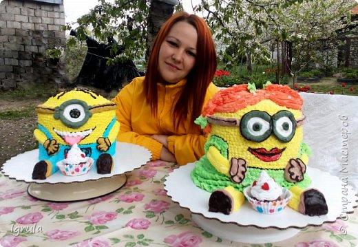 """Всем привет, кто заглянул.. Месяц был богат тортами для своих.. А свои уже мастики наелись так, что осваиваем крем потихоньку (бросайте в меня камни не сильно) Первый тортик был на день рождения свёкра.. Людей намечалось много... Вот и тортик такой... Не маленький Вес 9кг. Внутри """"тропиканка"""" (http://stranamasterov.ru/node/788418) фото 21"""