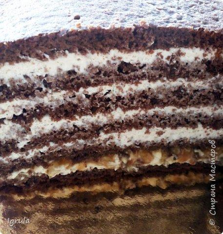 """Всем привет, кто заглянул.. Месяц был богат тортами для своих.. А свои уже мастики наелись так, что осваиваем крем потихоньку (бросайте в меня камни не сильно) Первый тортик был на день рождения свёкра.. Людей намечалось много... Вот и тортик такой... Не маленький Вес 9кг. Внутри """"тропиканка"""" (https://stranamasterov.ru/node/788418) фото 25"""