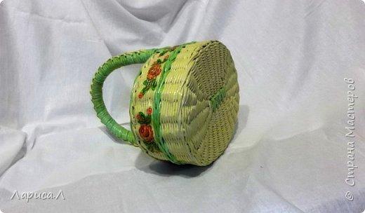 Корзина пасхальная с орнаментом выполнена в техниках плетения из бумажной лозы и декупаж. Размеры 28*20 см, высота 10,5 см. Прочная, легкая, функциональная, не боится влаги. Изготовлена из безопасных материалов. фото 2