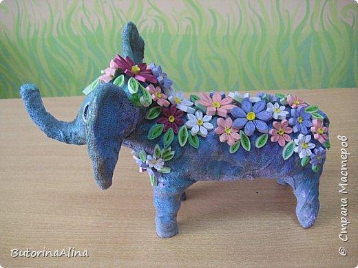 Доброе время суток дорогие друзья! Скоро удивительный праздник Пасха! Многие готовятся к нему. Пасха-это радость, весна и, конечно же - цветы. Мои работы не относятся к Пасхе, но цветы прекрасны в любое время года. Я хотела бы вам представить два арт-объекта в виде прекрасных животных лошадки и слона, оформленных цветами. фото 12