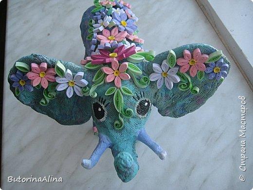 Доброе время суток дорогие друзья! Скоро удивительный праздник Пасха! Многие готовятся к нему. Пасха-это радость, весна и, конечно же - цветы. Мои работы не относятся к Пасхе, но цветы прекрасны в любое время года. Я хотела бы вам представить два арт-объекта в виде прекрасных животных лошадки и слона, оформленных цветами. фото 14