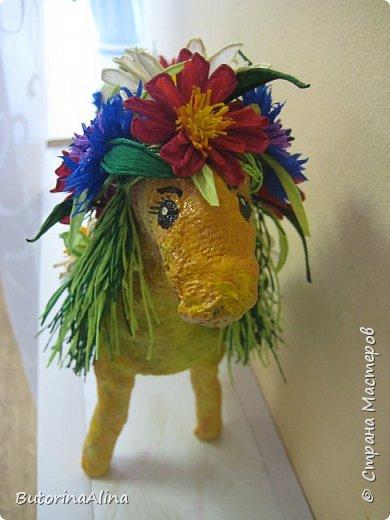Доброе время суток дорогие друзья! Скоро удивительный праздник Пасха! Многие готовятся к нему. Пасха-это радость, весна и, конечно же - цветы. Мои работы не относятся к Пасхе, но цветы прекрасны в любое время года. Я хотела бы вам представить два арт-объекта в виде прекрасных животных лошадки и слона, оформленных цветами. фото 20