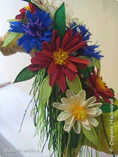 Доброе время суток дорогие друзья! Скоро удивительный праздник Пасха! Многие готовятся к нему. Пасха-это радость, весна и, конечно же - цветы. Мои работы не относятся к Пасхе, но цветы прекрасны в любое время года. Я хотела бы вам представить два арт-объекта в виде прекрасных животных лошадки и слона, оформленных цветами. фото 21