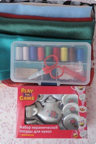 Доброго времени суток)) Сегодня я хочу показать вам немного своей миниатюры и немножко похвастаться))   В миниатюре я создала скетчбук, ручку, карандаши, палитру и невидимки. Скетчбук сделан из бумаги и фоамирана, карандаши и ручка - из зубочисток, палитра - из полимерной глины. фото 9