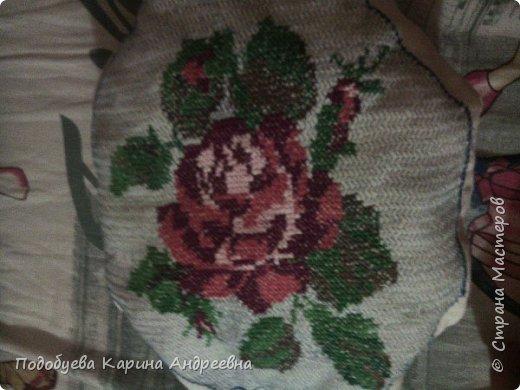 Роза на подушке
