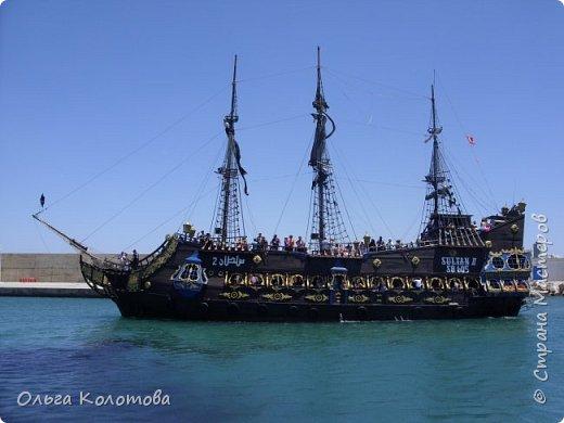 """Это """"пиратская"""" туристская яхта """"Sultan-2"""". Катает туристов в Хаммамете (Тунис). Я тоже купила экскурсию. фото 2"""