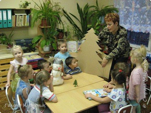 Ёлка для украшения интерьера в детском саду. фото 3