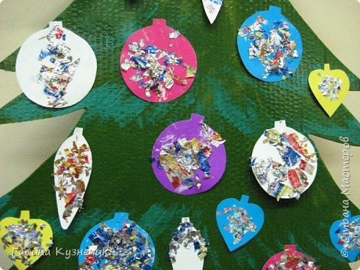 Ёлка для украшения интерьера в детском саду. фото 6