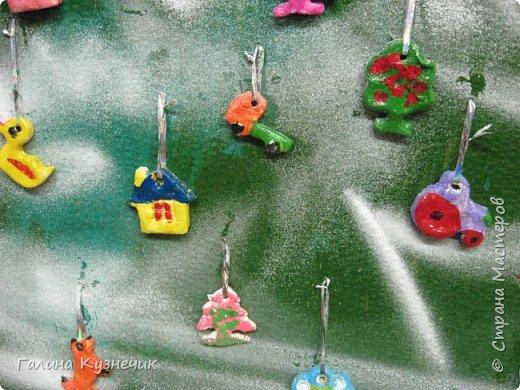 Ёлка для украшения интерьера в детском саду. фото 8