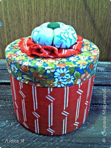 На подарки к праздникам изготовила шкатулки-игольницы фото 4