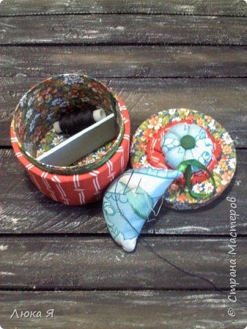 На подарки к праздникам изготовила шкатулки-игольницы фото 5