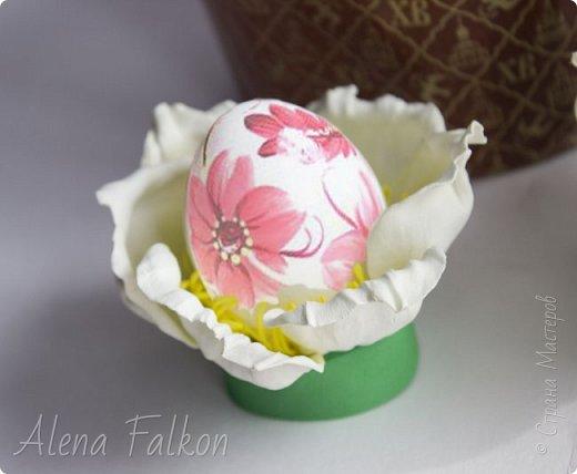 """Мой мастер-класс по вот такому держателю для яиц вы можете найти в журнале """"Секреты Hand Made"""". Журнал абсолютно бесплатный. Посмотреть его и скачать можно по ссылке https://yadi.sk/i/D0BE69JFrErCp  фото 1"""