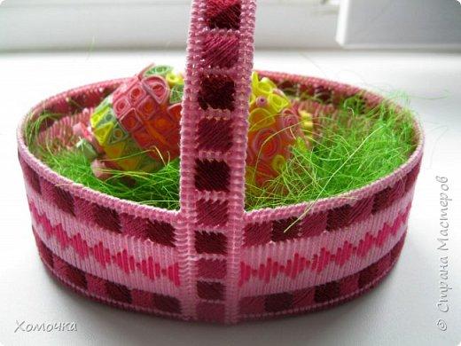 Корзинка для пасхальных яиц - вышивка на пластиковой канве, нитки - ирис, донышко из фетра. фото 2