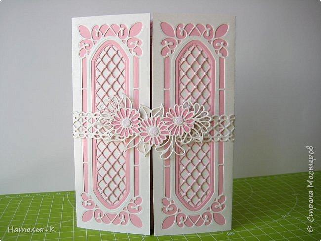 Добрый вечер, (или ночь),  дорогие жители Страны Мастеров!!! Сегодня у меня открытка на свадьбу. Обратились за два дня до свадьбы... была в растерянности... успею ли...   Посмотрела свои альбомы с работами, и нашла что эта подойдёт для свадьбы.  Такую уже делала для дочки на день рождения.   http://stranamasterov.ru/node/992229 фото 1
