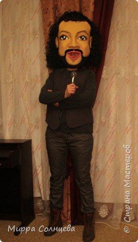 шаржевая  голова-маска  выполнена техникой скульптурной резки по поролону и обтянута тканью бифлексом фото 5