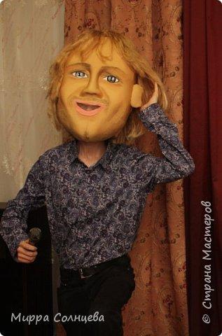 шаржевая  голова-маска  выполнена техникой скульптурной резки по поролону и обтянута тканью бифлексом фото 10