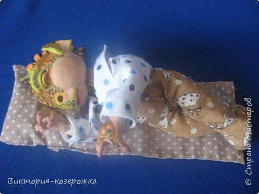 Дочка, разглядывая фотографии моих кукол, спросила, указывая пальцем на моего Дракона:«А как он выглядел, когда был маленьким?» И так появился малыш, написан стишок и создан блог.. Приятного просмотра))))  фото 1