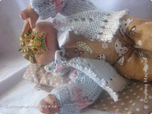Дочка, разглядывая фотографии моих кукол, спросила, указывая пальцем на моего Дракона:«А как он выглядел, когда был маленьким?» И так появился малыш, написан стишок и создан блог.. Приятного просмотра))))  фото 6