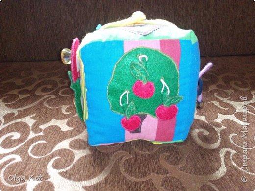 """Как помните я хочу сделать 8 кубиков, на каждом из которого будет буква и в итоге будет складываться имя дочери """"ВЕРОНИКА"""". Пока только 2 кубика готовы. Надеюсь к Дню Рождения доченьки доделаю все. Хотелось бы их использовать еще и для фотосессии. фото 2"""