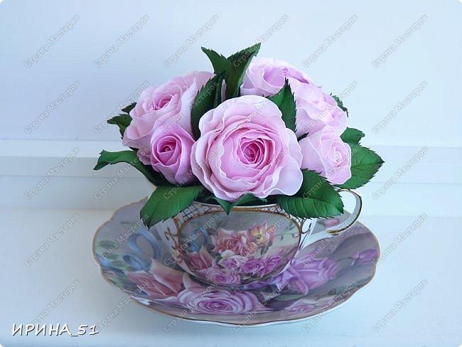 Здравствуйте! Рада Вас видеть у себя в гостях!  Композиция в чашечке выполнена в подарок, с благодарностью от меня, одному хорошему человеку. И уже сегодня вечером она будет подарена.  Розы выполнены из зефирного фома, листья из иранского фома.  Приглашаю к просмотру.  фото 5