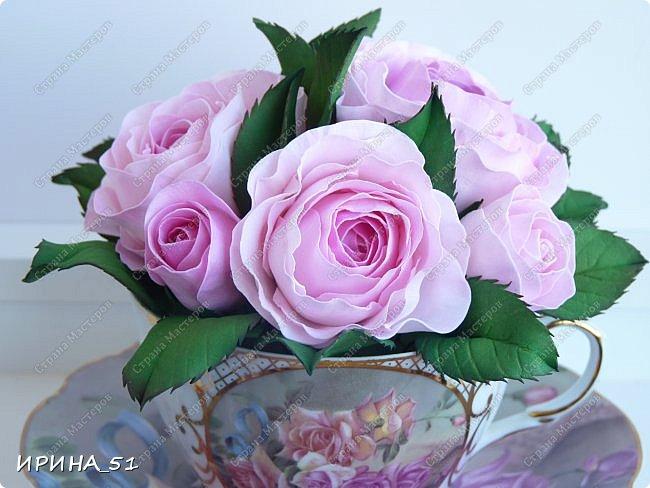 Здравствуйте! Рада Вас видеть у себя в гостях!  Композиция в чашечке выполнена в подарок, с благодарностью от меня, одному хорошему человеку. И уже сегодня вечером она будет подарена.  Розы выполнены из зефирного фома, листья из иранского фома.  Приглашаю к просмотру.  фото 6
