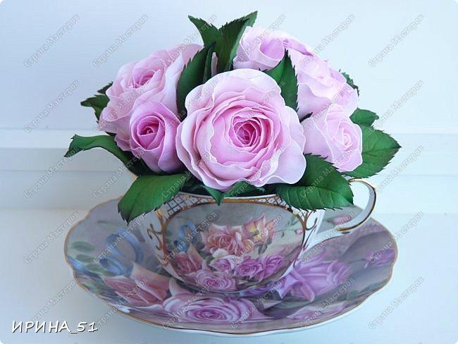 Здравствуйте! Рада Вас видеть у себя в гостях!  Композиция в чашечке выполнена в подарок, с благодарностью от меня, одному хорошему человеку. И уже сегодня вечером она будет подарена.  Розы выполнены из зефирного фома, листья из иранского фома.  Приглашаю к просмотру.  фото 10