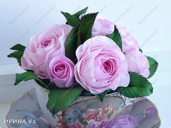Здравствуйте! Рада Вас видеть у себя в гостях!  Композиция в чашечке выполнена в подарок, с благодарностью от меня, одному хорошему человеку. И уже сегодня вечером она будет подарена.  Розы выполнены из зефирного фома, листья из иранского фома.  Приглашаю к просмотру.  фото 7