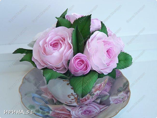 Здравствуйте! Рада Вас видеть у себя в гостях!  Композиция в чашечке выполнена в подарок, с благодарностью от меня, одному хорошему человеку. И уже сегодня вечером она будет подарена.  Розы выполнены из зефирного фома, листья из иранского фома.  Приглашаю к просмотру.  фото 8