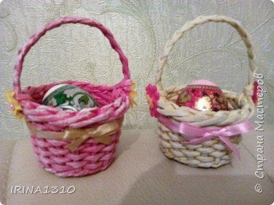 Поздравляю со светлым праздником Пасхи. Пасха магазинная, а над крашенками потрудилась, очень понравился процесс, краска для яиц.  фото 2