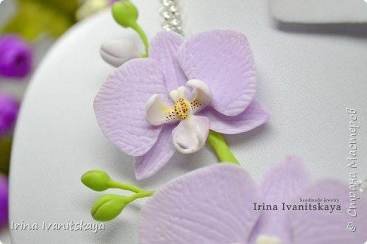 Доброго всем времени суток! В этом мастер классе я покажу как сделать подвеску с веточкой лиловой орхидеи. Подробно расскажу не только как сделать цветы орхидеи объемными, но и как собрать всю конструкцию на проволоку. Приятного вам просмотра!))) фото 2