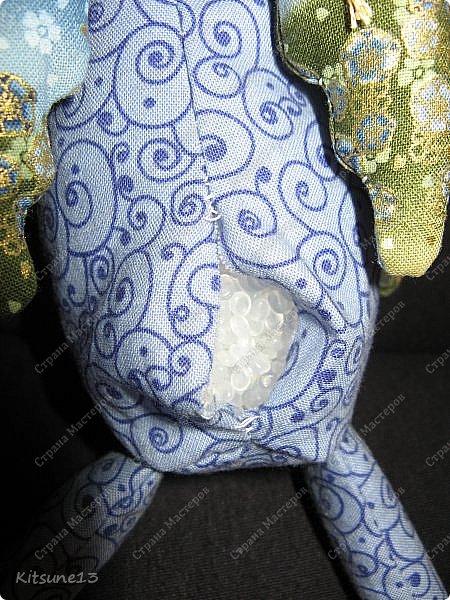 """Доброе утро жители Страны. Для племяшки, которая обожает лошадей, пошила ангела-хранителя Лошадь.  Использовала готовый набор для создания текстильной куклы """"Пегас"""" фирмы """"Перловка"""". Грива, хвост украшены бубенчиками, в руке ангел держит подкову - на счастье.  Рост - 29.5 см фото 6"""