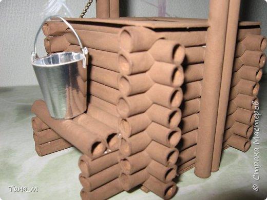 Дом сделан из бумажных трубочек. Размер домика вместе с крылечком 30 на 17. Включается свет выключателем. фото 8