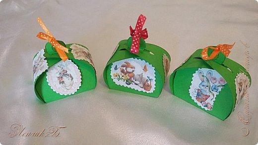 Здравствуйте дорогие мастера и мастерицы. От всей души поздравляю вас со светлым праздником Пасхи!!!  Такие коробочки для яиц у меня получились к празднику. Приятного просмотра. фото 1