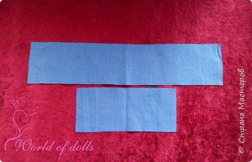Небольшой мастер класс для кукольников, особенно подойдет начинающим. Наглядно показывает как легко можно пошить обычное платьице для куклы любого формата. Для этого нам понадобится: 1. ткань 2. нитки 3. ножницы 4. игла или швейная машина 5. липучка ..и желание :)) фото 2