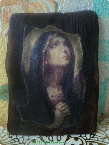 Сделала вот такую икону.Вдохновилась работами Оли Гаспарян https://stranamasterov.ru/user/347373 Долго собиралась с духом и мыслями.Сходила в церковь и освятила ее,а дома натерла маслицем церковным. фото 1