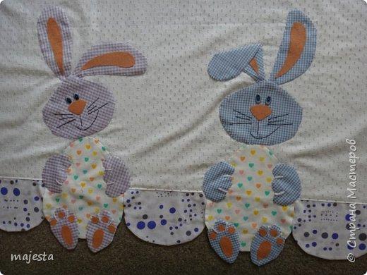 Это кроличьи занавески ( были подарены на кухонное окно старшему сыну) фото 2