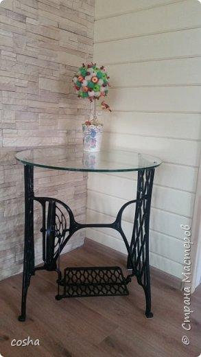 столик из старой швейной машинки фото 1