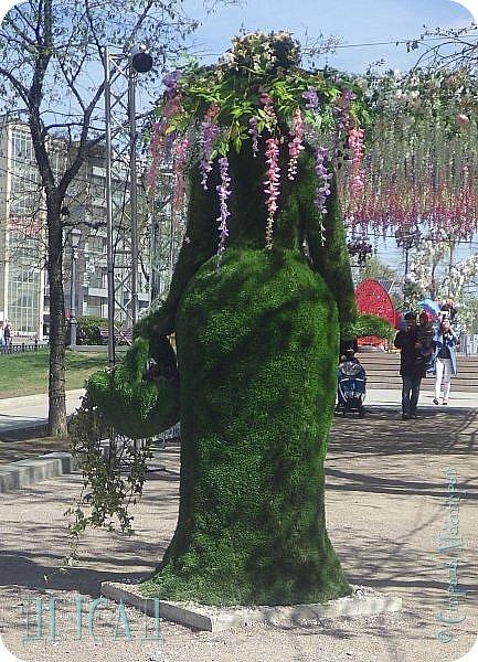 С 22 апреля в Москве открылся большой фестиваль «Московская весна», который продлится аж до самого 9 мая, совместив в себе и Пасху, и день Победы. фото 16