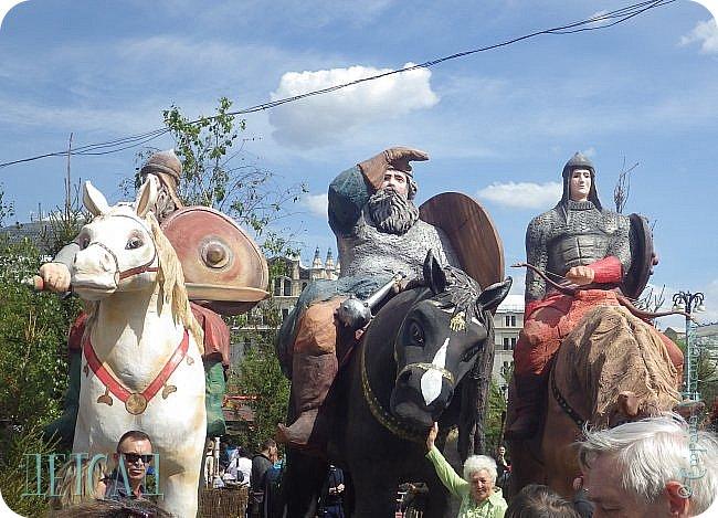 С 22 апреля в Москве открылся большой фестиваль «Московская весна», который продлится аж до самого 9 мая, совместив в себе и Пасху, и день Победы. фото 3