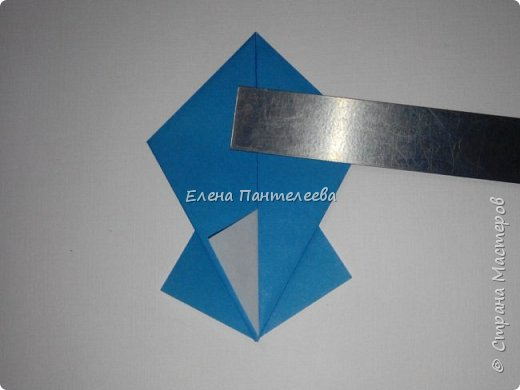 Предлагаю сделать аппликацию из фигурок оригами, гармонистов, с элементами рисования. фото 43